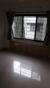 Gallery Cover Image of 900 Sq.ft 3 BHK Apartment for rent in Talati Apartment, Vile Parle West for 70000