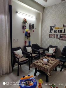 Gallery Cover Image of 750 Sq.ft 2 BHK Apartment for buy in Ballabhgarh for 2600000