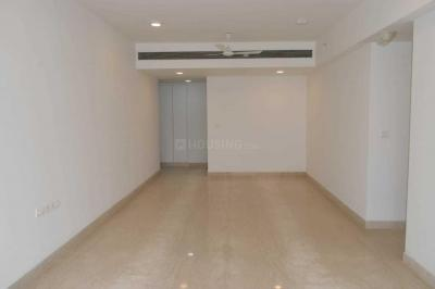 Gallery Cover Image of 950 Sq.ft 2 BHK Apartment for rent in L&T Crescent Bay T5, Parel for 80000