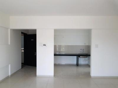 Gallery Cover Image of 950 Sq.ft 2 BHK Apartment for buy in Wakad for 5565420