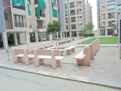 Gallery Cover Image of 1250 Sq.ft 2 BHK Apartment for rent in Aawaass Riverfront, Randesan for 12000