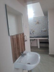 Gallery Cover Image of 1100 Sq.ft 2 BHK Apartment for rent in Vadapalani for 20000