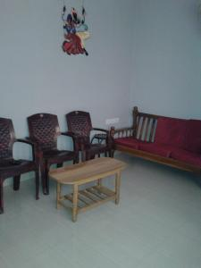 Gallery Cover Image of 1150 Sq.ft 2 BHK Apartment for rent in Perumbakkam for 15000