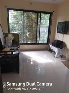 Gallery Cover Image of 420 Sq.ft 1 RK Apartment for rent in Chembur for 32000
