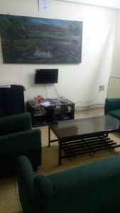 Gallery Cover Image of 950 Sq.ft 2 BHK Apartment for rent in New Alipore for 13000