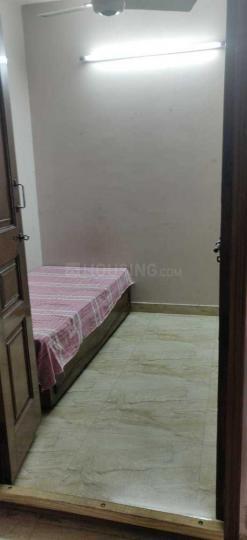 प्रीत विहार में मित्तल पीजी के बेडरूम की तस्वीर