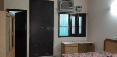 Gallery Cover Image of 300 Sq.ft 1 RK Independent Floor for rent in Sector 44 for 9000