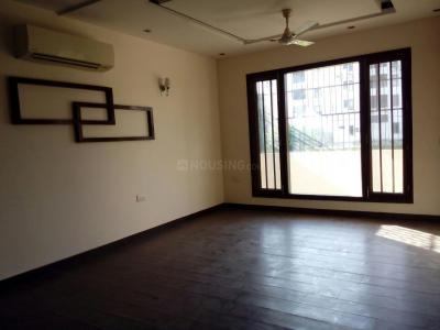 Gallery Cover Image of 2700 Sq.ft 3 BHK Independent Floor for buy in Jasola for 31500000