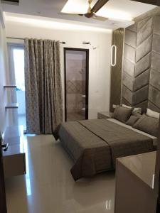 Gallery Cover Image of 981 Sq.ft 3 BHK Apartment for buy in Sector 20 for 3895000