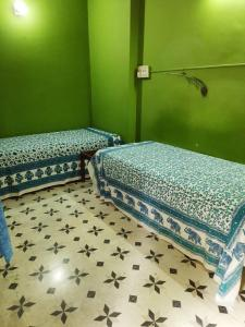 Gallery Cover Image of 630 Sq.ft 1 BHK Independent House for rent in Netaji Nagar for 14000