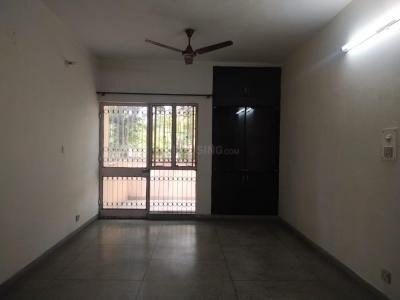 Gallery Cover Image of 1700 Sq.ft 3 BHK Apartment for rent in Pocket L Sarita Vihar RWA, Sarita Vihar for 32000