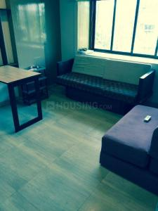 Gallery Cover Image of 450 Sq.ft 1 BHK Apartment for rent in Khar West for 37000