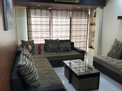 Gallery Cover Image of 710 Sq.ft 2 BHK Apartment for rent in Malad East for 47000