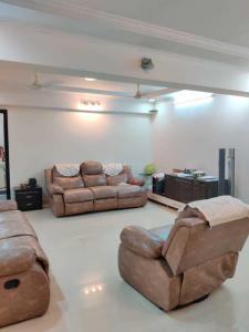 Gallery Cover Image of 1500 Sq.ft 3 BHK Apartment for rent in Andheri West for 8000
