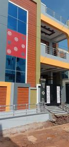 Gallery Cover Image of 3200 Sq.ft 4 BHK Villa for buy in LB Nagar for 15500000