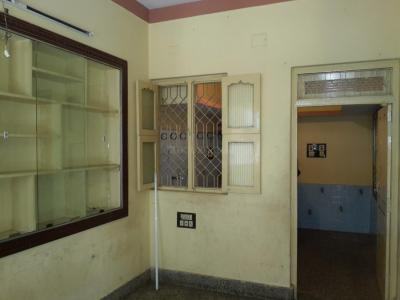 Gallery Cover Image of 400 Sq.ft 1 BHK Independent Floor for rent in Shanti Nagar for 12000