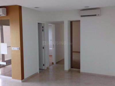 Gallery Cover Image of 1303 Sq.ft 3 BHK Apartment for rent in Goregaon East for 65000