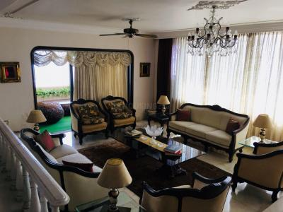 Gallery Cover Image of 3000 Sq.ft 3 BHK Apartment for buy in Worli for 220000000