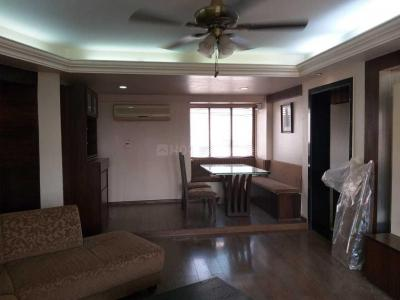 Gallery Cover Image of 920 Sq.ft 2 BHK Apartment for rent in Bandra West for 70000