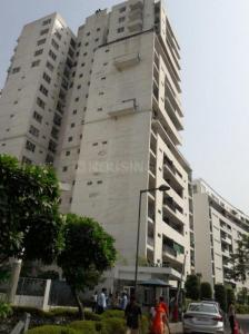 Gallery Cover Image of 1750 Sq.ft 3 BHK Apartment for buy in DLF Oakwood Estate, DLF Phase 2 for 24500000