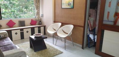 Gallery Cover Image of 600 Sq.ft 1 BHK Apartment for rent in Kohinoor Tower, Dadar West for 48000