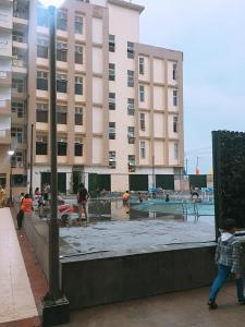 Gallery Cover Image of 1275 Sq.ft 3 BHK Apartment for buy in Bhopura for 3500000