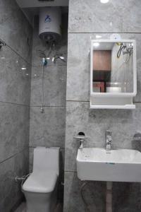 Common Bathroom Image of PG 4727312 Tagore Garden Extension in Tagore Garden Extension