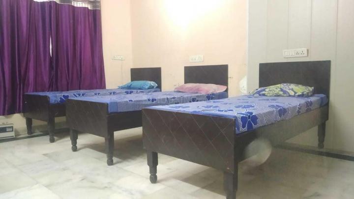 Bedroom Image of Girls PG in Sector 32