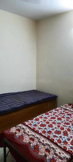 बाली नगर में उषा पीजी के बेडरूम की तस्वीर
