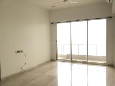 Gallery Cover Image of 980 Sq.ft 3 BHK Apartment for rent in Malad East for 60000