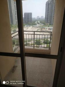 Gallery Cover Image of 942 Sq.ft 2 BHK Apartment for buy in Jaypee Kosmos, Sector 134 for 3310000