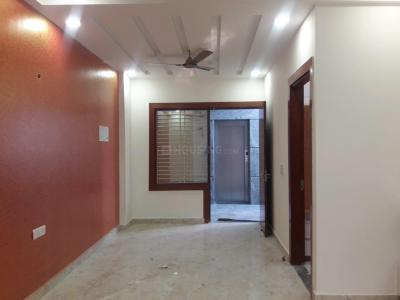 Gallery Cover Image of 1200 Sq.ft 3 BHK Apartment for rent in Shakti Khand for 15000