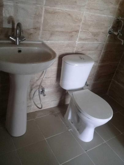 Common Bathroom Image of 1245 Sq.ft 3 BHK Apartment for rent in Noida Extension for 4500