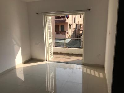 Gallery Cover Image of 900 Sq.ft 2 BHK Apartment for rent in Kharadi for 23000