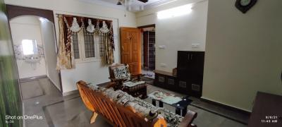 Gallery Cover Image of 1350 Sq.ft 3 BHK Apartment for rent in Jeevanbheemanagar for 35000