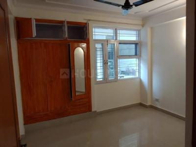 Gallery Cover Image of 1650 Sq.ft 3 BHK Apartment for rent in Golden Heights Apartments, Sector 12 Dwarka for 27000