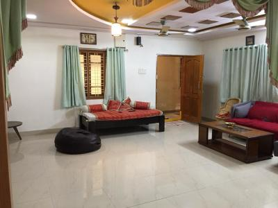 Gallery Cover Image of 1050 Sq.ft 2 BHK Apartment for rent in Hafeezpet for 17000