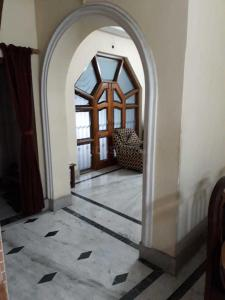 Gallery Cover Image of 1400 Sq.ft 3 BHK Independent Floor for rent in South Dum Dum for 19000