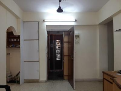Gallery Cover Image of 800 Sq.ft 2 BHK Apartment for rent in Vile Parle East for 50000