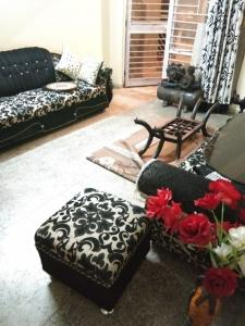 Gallery Cover Image of 1400 Sq.ft 2 BHK Apartment for buy in CGHS Green Valley Apartments, Sector 22 Dwarka for 12500000