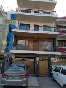 Gallery Cover Image of 640 Sq.ft 2 BHK Independent Floor for rent in Sector 46 for 22000