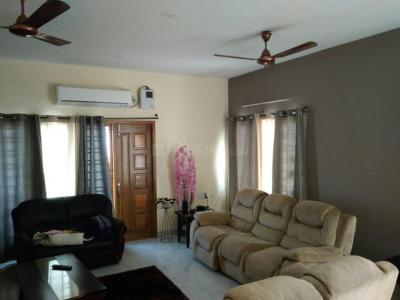Gallery Cover Image of 2600 Sq.ft 4 BHK Apartment for rent in  Casal Apartments, Neelankarai for 48000