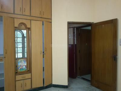 Gallery Cover Image of 800 Sq.ft 2 BHK Independent Floor for rent in Shanti Nagar for 17000