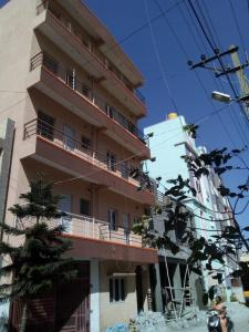 Gallery Cover Image of 1100 Sq.ft 2 BHK Independent Floor for rent in Electronic City for 9500