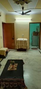 Gallery Cover Image of 410 Sq.ft 1 BHK Apartment for rent in Paschim Vihar for 16000