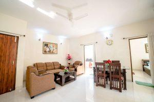 Gallery Cover Image of 1080 Sq.ft 2 BHK Apartment for buy in Golf City for 3100000