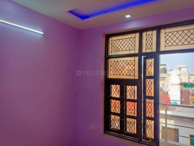 Gallery Cover Image of 1150 Sq.ft 4 BHK Independent Floor for buy in Sector 6 Rohini for 10000000