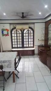 Gallery Cover Image of 650 Sq.ft 1 BHK Apartment for rent in Bandra West for 55000