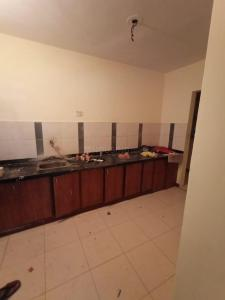 Gallery Cover Image of 1242 Sq.ft 2 BHK Apartment for rent in Satellite for 18000