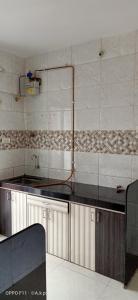 Gallery Cover Image of 1100 Sq.ft 2 BHK Apartment for rent in Seawoods for 27000